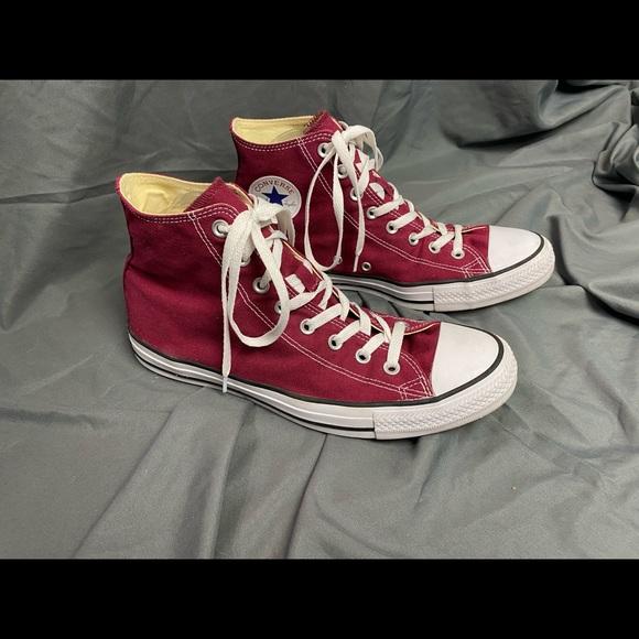 Converse Chuck Taylor All Star HiTop Burgundy shoe